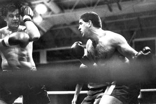 HEAVYWEIGHT BOXER PETER McNEELEY BATTERS PHIL PRINCE